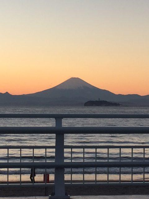 逗子海岸と富士山