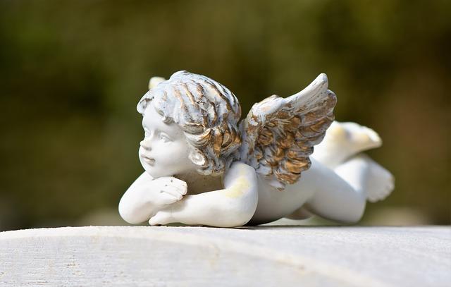 angel-3742908_640